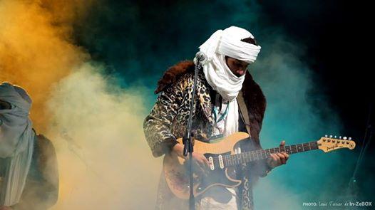 Zeidi Ag BABA sur la scène de TARAGALTE - Crédit photo Louis TISSIER