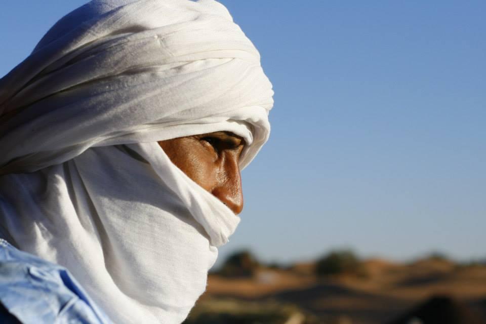 INTIDAO dans les dunes de M'hamid el Ghizlane, lors du Festival TARAGALTE  - Crédit photo Margot Canton Lamousse