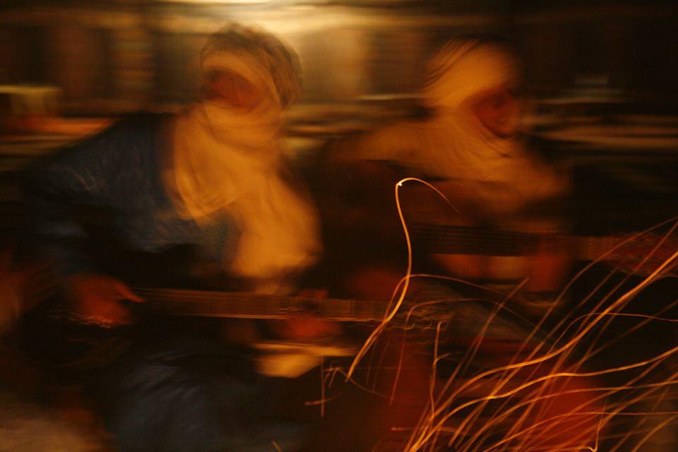 Ibrahim et Said, les deux quitaristes chanteurs de Génération Taragalte