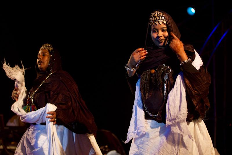 Le Festival International des Nomades est une invitation au voyage, au dialogue, à l'ouverture au monde. Chacun y est le bienvenu pour faire le plein d'émotions dont les nombreux reportages  consacrés à cette région ont saisi toute l'intensité.