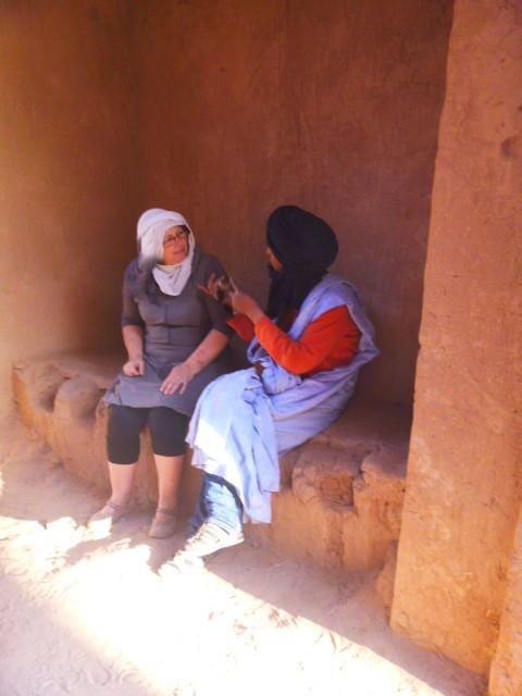 Pour saisir la force d'un lieu étonnant, la magie d'un bel échange avec Ibrahim, conteur dans l'âme