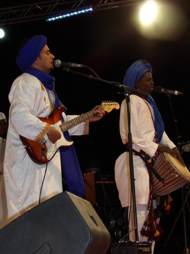Drâa Tribes, c'est une présence sur scène qui aimante le public.